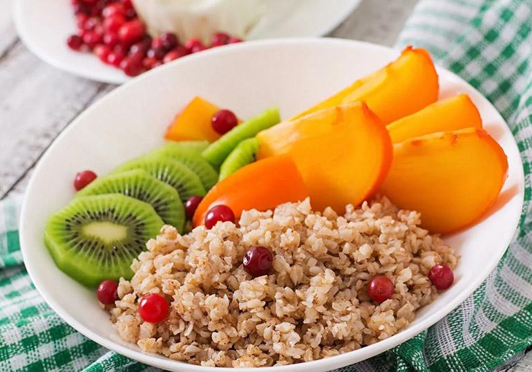 Гречка с фруктами